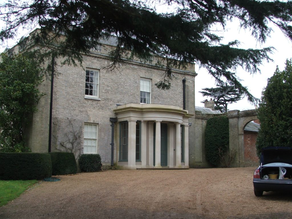 COUNTRY HOUSE PORTICO